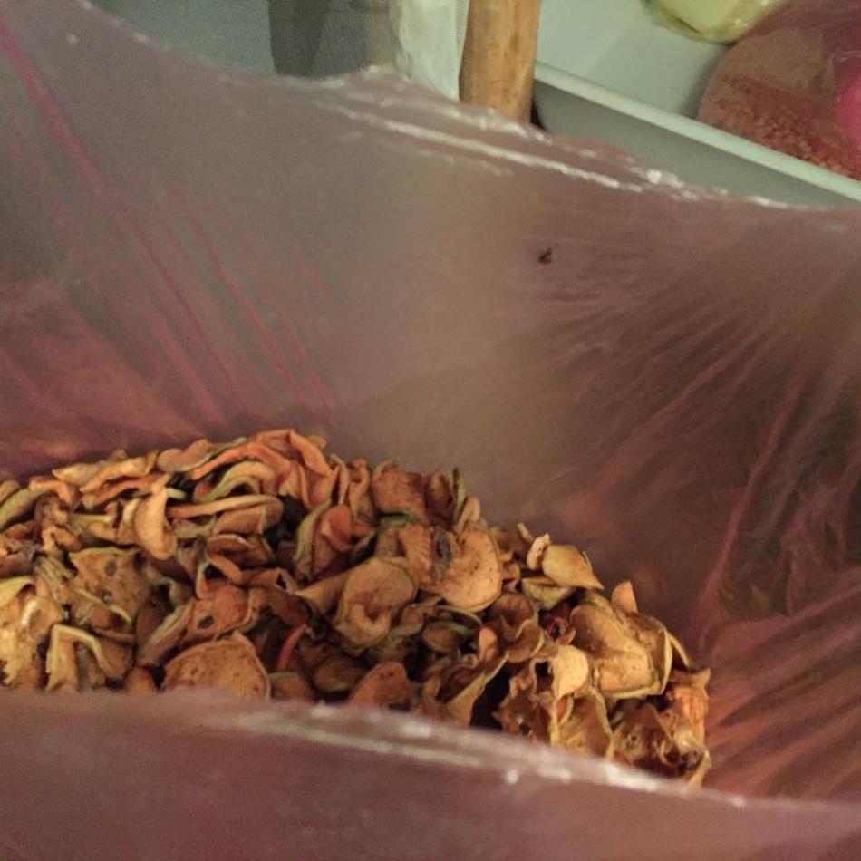Фруктовая моль: как от неё избавиться и как уберечь сухофрукты