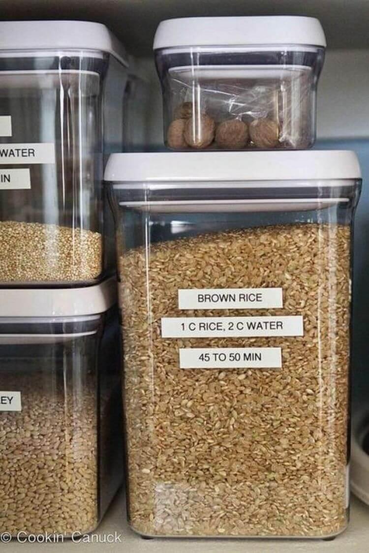 Моль в квартире: как избавиться от личинок, как быстро и навсегда вывести в домашних условиях народными и иными средствами на кухне в крупах, шкафах и других местах?