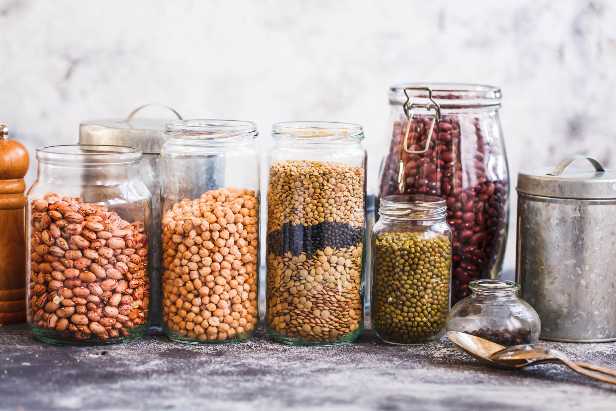 Пищевая моль: как избавиться от неё на кухне в домашних условиях, средства борьбы