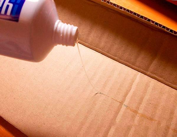 Как удалить клей от грызунов, если он попал на одежду или на домашнего питомца