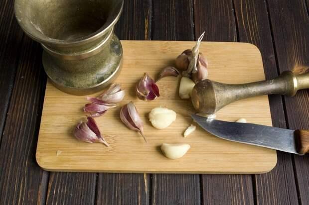 Зубчики и стрелки чеснока – экологическое средство от тли